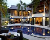 Luxury 5 bedroom Villa with Chef 1.5km from Nai Harn Beach