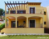 Villa with Private Pool, Great location, 10 minutes Walk to the Beach, Sleeps 8